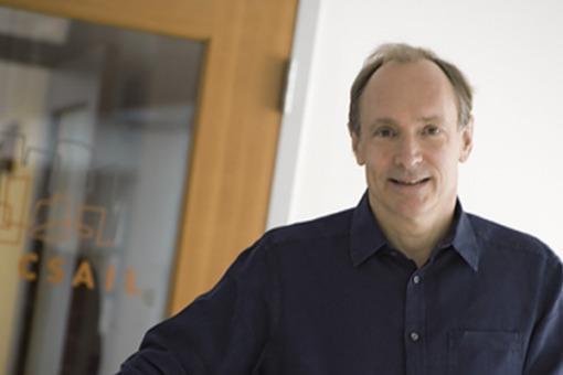"""Tim Berners-Lee: """"Los usuarios deben ser dueños de sus propios datos"""""""