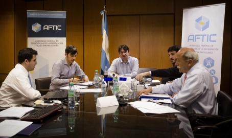 AFTIC multó a Telefónica, Telecom, Telecentro y Telmex