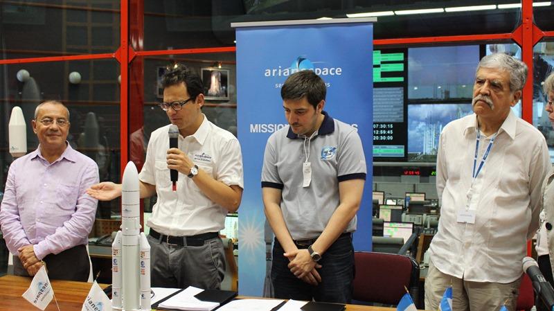 ARSAT y Arianespace firmaron un nuevo contrato de lanzamiento