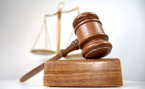 La justicia mantuvo la cautelar que impide la adecuación de Clarín a Ley de Medios