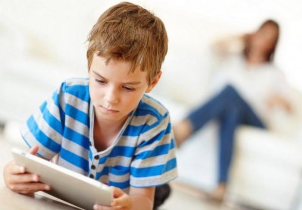 La mitad de los padres desconocen la actividad online de sus hijos
