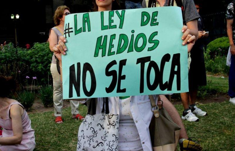 Marcharon en varias ciudades para defender la Ley de Medios