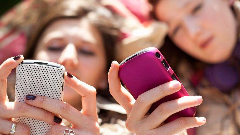 Tendencia entre adolescentes: Menos tele, más internet