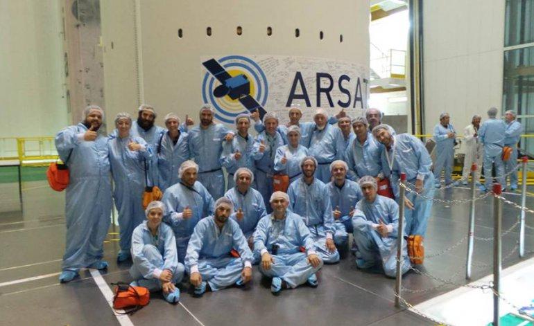 Freno a la construcción del ARSAT 3