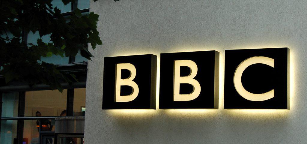 Reino Unido busca reformar la BBC