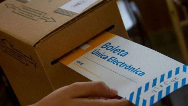 El gobierno impulsa la implementación del voto electrónico