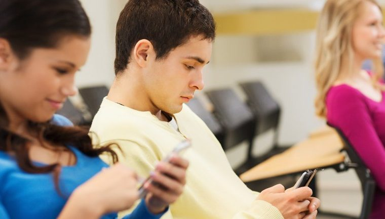 Los menores de 25 años son los que más compran smartphones