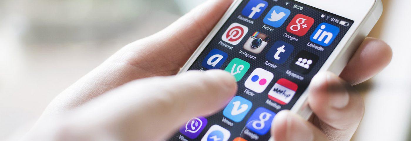 """La carrera por cooptar a los usuarios: Instagram lanza """"Explore"""" y Facebook """"Quick Updates"""""""