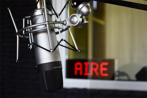Bolivia: Congreso permite la renovación automática de licencias de radio hasta 2019