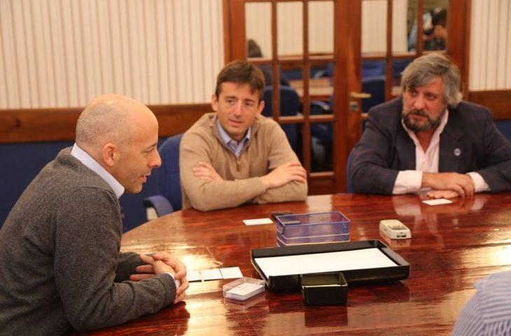 Municipio de Pilar y Enacom se reunieron por comunicaciones en el distrito