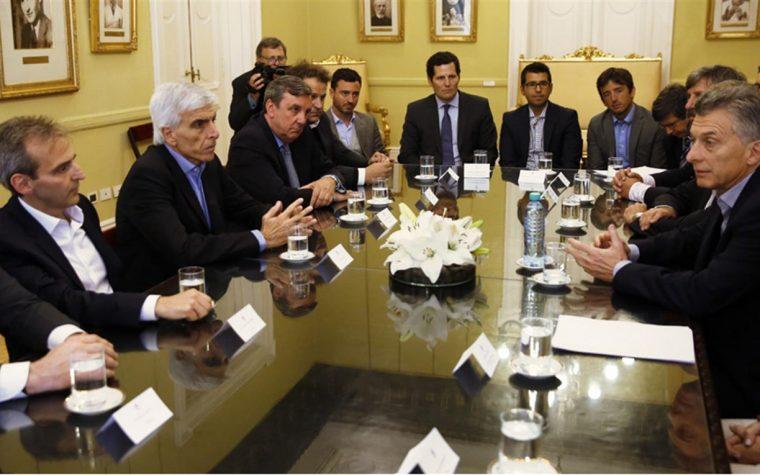 Reunión entre el gobierno y cooperativas de telecomunicaciones
