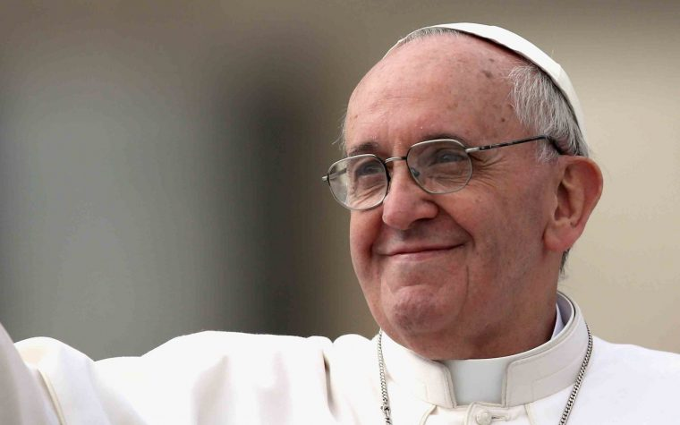 Francisco destacó el lanzamiento de la versión argentina del diario oficial del Vaticano