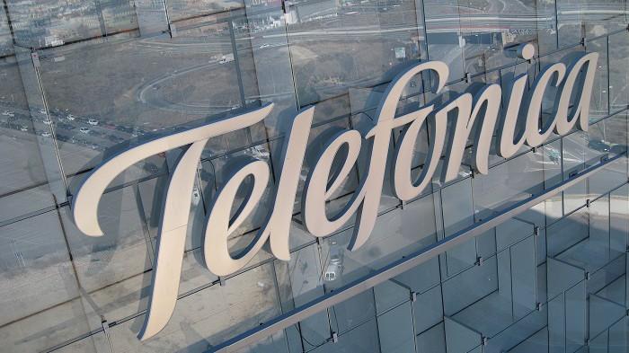 Telefónica presiona al gobierno por la regulación