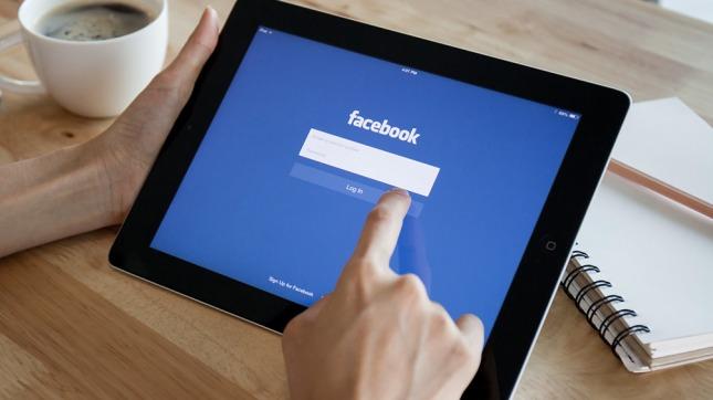 Facebook prueba filtro de noticias falsas en Alemania