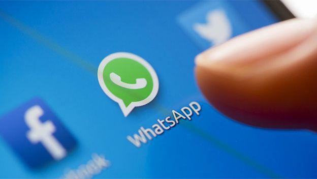 Los mensajes de WhatsApp pueden ser leídos por Facebook