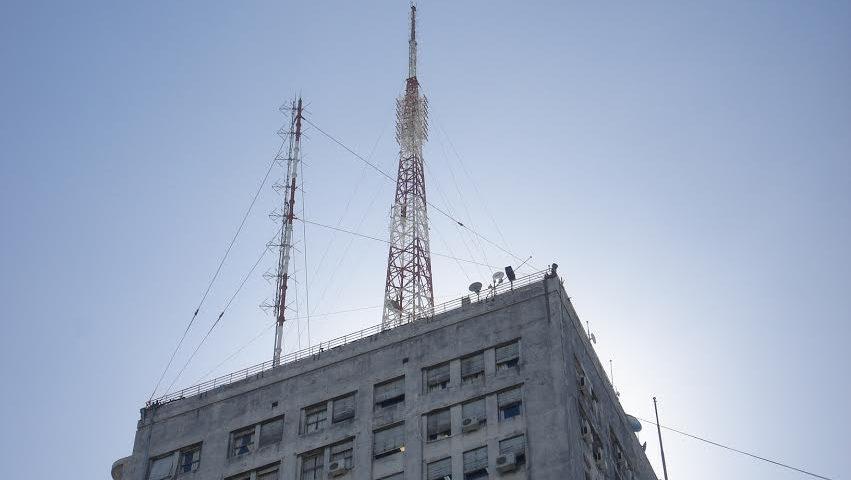 Para mejorar servicio de telefonía celular se instalarán antenas en edificios gubernamentales