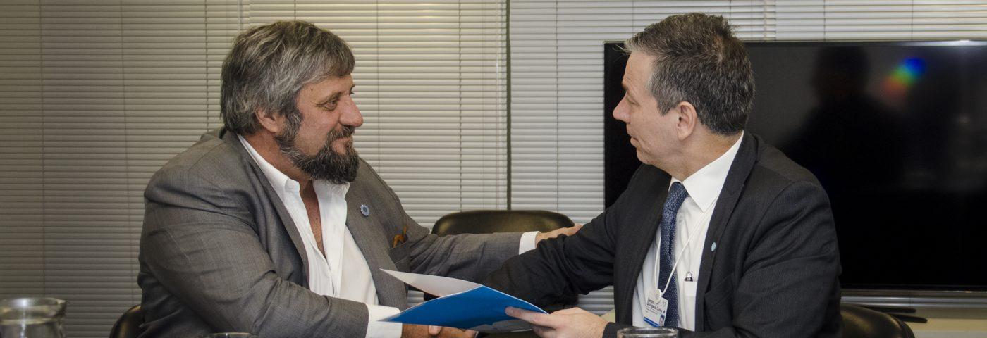 Enacom y Ericcson firmaron convenio para implementar nuevas tecnologías en comunicaciones