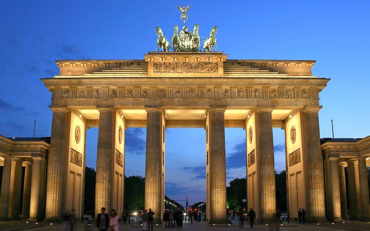 Alemania multará a las redes sociales que no eliminen noticias falsas y mensajes de odio