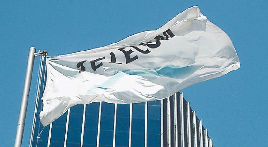 Moody's colocó las calificaciones de Cablevisión y Telecom en revisión para suba