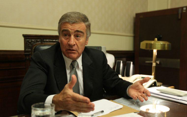 El gobierno disuelve el Ministerio de Comunicaciones