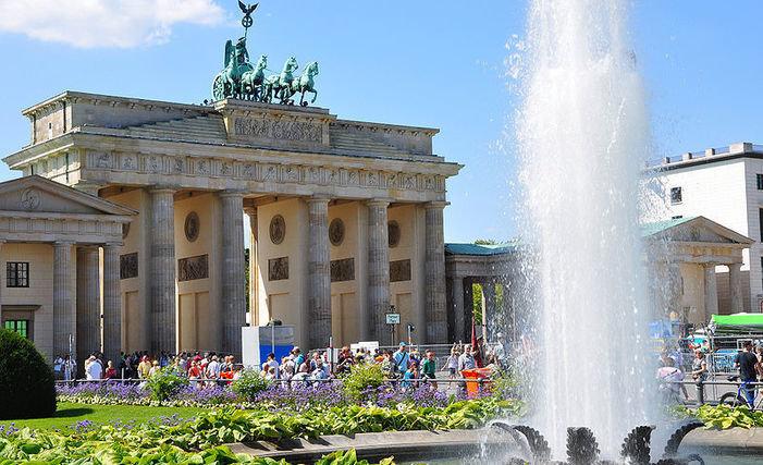 """Alemania prohíbe sitio de izquierda por """"incitación a la violencia"""""""