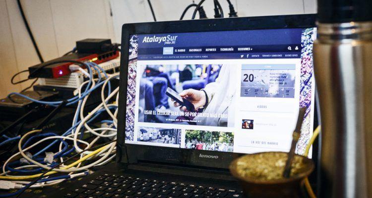 ¿Cómo funciona el proyecto comunitario que lleva internet a la Villa 20?