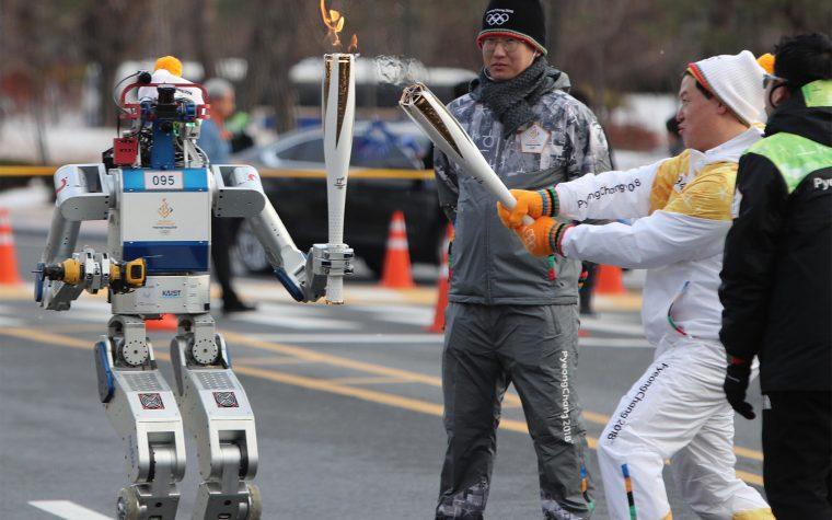 Robots esquiadores en los juegos olímpicos de Corea