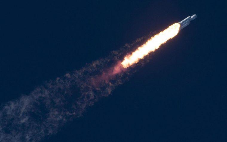 Starlink ya tiene dos satélites en el espacio para dar internet